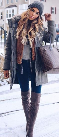 25 Everyday Outfits For This Winter Grey Beanie, Grey Jacket, Navy Skinny Jeans, Brown Velvet OTK Boots - My Accessories World Stylish Winter Outfits, Winter Fashion Outfits, Fall Winter Outfits, Autumn Winter Fashion, Spring Outfits, Casual Outfits, Casual Shoes, Layering Outfits, Fashion Ideas