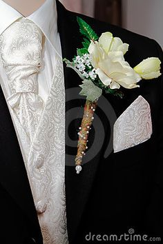 Groom's Corsage and suit colour combination