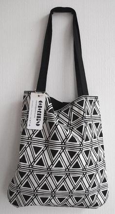 New German Etsy Shop! NEW & LIMITED - Shopping Bag 21 - Schwarz. €32,00, via Etsy.