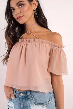 What comes to your mind when you hear the word cropped tops? Sunday mall, Friday party, A picnic, wh Off Shoulder Crop Top, Pink Crop Top, Work Tops, Collar Shirts, My Outfit, Street Wear, Casual Outfits, Cropped Tops, Mistakes