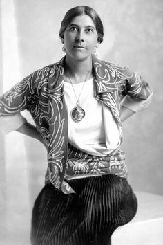 Denise Poiret wearing Paul Poiret, June 1928.