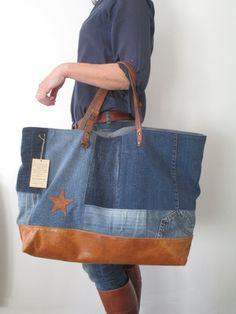 Image of sac cabas xl scxl 0962 Denim Tote Bags, Denim Handbags, Quilted Handbags, Quilted Bag, Handmade Handbags, Handmade Bags, Diy Vintage Bags, Artisanats Denim, Jean Diy