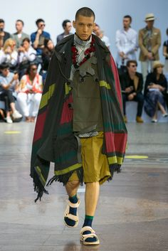 A look from the Sacai Spring 2016 Menswear collection.