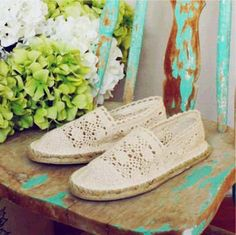 Sweet Lace Espadrilles #lace #flats www.loveitsomuch.com