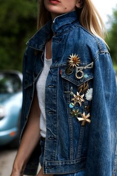 Road Trip Blues - Vintage Levis Denim Jacket Source by - Vintage Denim, Vintage Levis Denim Jacket, Levi Denim Jacket, Denim Overalls, Denim Jackets, Pins On Denim Jacket, Fashion Vintage, Overalls Outfit, Cute Teen Outfits