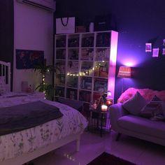 Chill Room, Cozy Room, Small Room Bedroom, Room Ideas Bedroom, Bedroom Inspo, Purple Bedroom Decor, Diy Bedroom, Apartment Inspiration, Bedroom Inspiration
