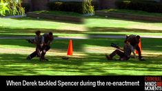 I feel like that wasn't really fair. Morgan looks like a football player and Reid is like a pencil haha <<< to be fair he did that to protect him from the potential killer who had the gun Criminal Minds Memes, Spencer Reid Criminal Minds, Matthew Gray Gubler, Matthew Grey, Behavioral Analysis Unit, Crimal Minds, Girl Meets World, Derek Morgan, Penelope Garcia