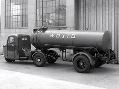 Scammell Scarab Big Rig Trucks, Cool Trucks, Pickup Trucks, Cool Cars, Antique Trucks, Vintage Trucks, Mechanical Horse, Old Lorries, Truck Transport