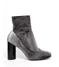 #TuesdayShoesday: Shop the Coolest Velvet Boots via @WhoWhatWearUK