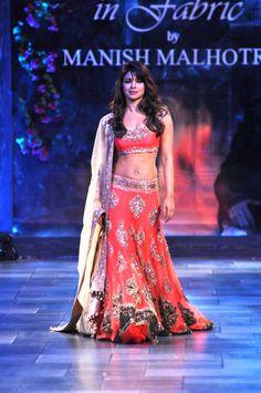 #orange #lehnga #indian #dress #women's #fashion #beautiful #wedding