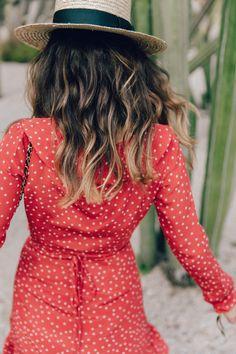 Realisation_Par_Dress-Star_Print-Red_Dress-Outfit-Catonier-Hat-Lack_Of_Color-Black_Sandals_Topshop-Barcelona-Collage_Vintage-Mossen_Gardens-68