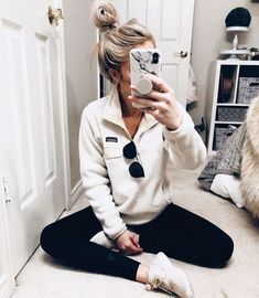 38 Awesome School Outfit Ideas For Winter Outfits 38 Awesome School Out. - - 38 Awesome School Outfit Ideas For Winter Outfits 38 Awesome School Outfit Ideas For Winter Cute Comfy Outfits, Cute Fall Outfits, Outfits For Teens, Casual Outfits, Comfy Clothes, Lazy Winter Outfits, Cute Outfits With Leggings, College Winter Outfits, Women's Clothes