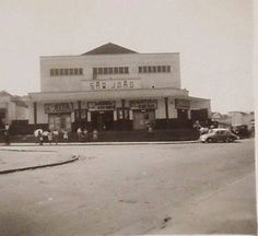 Cine São João, na Vila Matilde, que depois de anos funcionando como cinema de bairro, transformou-se na famosa boate Toco.  Fonte: https://www.facebook.com/saopauloantiga/photos/a.728555457200774.1073741844.156318374424488/845846408805011/?type=1&theater