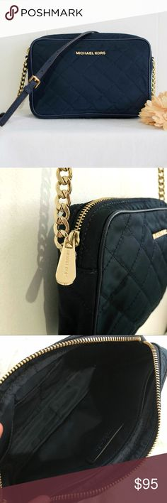 """•Michael Kors• Navy Blue Crossbody bag Michael Kors Navy Blue Crossbody bag. 100% Authentic. Used only once. No rips or stains. Like new condition.  Measurement: 👉🏻7""""x10""""x2"""" Michael Kors Bags Crossbody Bags"""