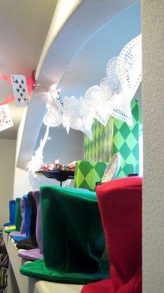 hats Alice In Wonderland party