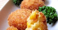 Great recipe for Corn Cream Croquettes. I wanted to make some creamy croquettes stuffed with corn. Don't forget to use a heatproof container when heating the panko breadcrumbs. The plate will crack otherwise. The mixture is loose and difficult to shape, so it's easier to make small patties. Recipe by 1630412.