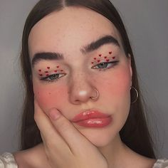 Extremely early valentines look 🤧💞 Inspo: ❤️ Products : Hearts: vivid brights liner Brows: kush… Cool Makeup Looks, Crazy Makeup, Pretty Makeup, Love Makeup, Makeup Inspo, Makeup Inspiration, Gorgeous Makeup, Makeup Geek, Makeup Ideas