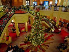 The Lobby - Queen Mary 2  Photo: Calvin Wood
