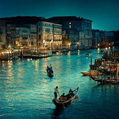 Venice Italy | one day, i will bring @Fayrouz Adnin Affandy to this place, its so romantic moment when i hugs you so deep...