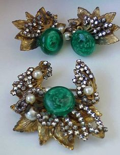 1940s VINTAGE MIRIAM HASKELL BROOCH & EARRINGS SET MURANO GLASS PEARL FRANK HESS