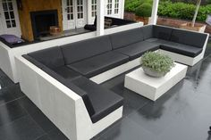 Built In Garden Seating, Rooftop Terrace Design, 3d House Plans, Backyard Patio Designs, Banquette, Living Room Sofa, Terrazzo, Lounge, Decoration
