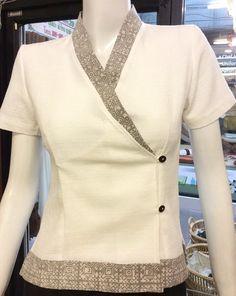 Suits For Women, Jackets For Women, Clothes For Women, Office Attire Women, Spa Uniform, Work Uniforms, Uniform Design, Batik Dress, Work Tops