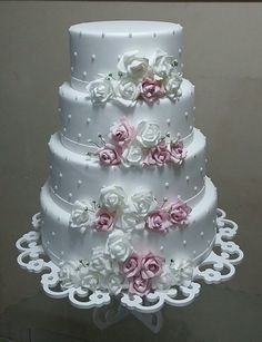 Bilderesultat for lindos bolos Wedding Cake Roses, Wedding Cake Photos, Amazing Wedding Cakes, Wedding Cake Rustic, White Wedding Cakes, Elegant Wedding Cakes, Wedding Cake Designs, Gorgeous Cakes, Pretty Cakes