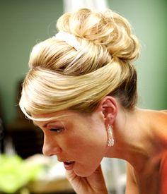 Opgestoken bruidskapsels - deel 4   Bruidskapsel.nl   Bruidskapsel, bruidskapsels, bruidskappers, bruidskaper, haar bruid, kort bruidskapsel...