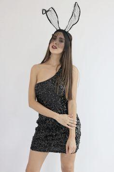 Vestidos negros, dorados y rojos <3 Perfectos para otoño y junto con nuestras lace bunny arma un disfrazas perfecto, rápido y sexy. Busca los modelos que elijas en una de nuestras 3 sucursales en Guadalajara o pedidos por nuestras redes sociales #PinkFlamingoMx