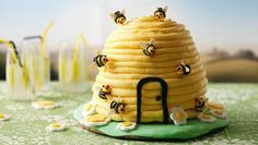 Easy peasy bee hive cake!