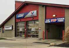 VIP Ready Care and Lube Stop. Installed pylon sign and multiple wall signs.
