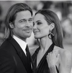 Brad Pitt and Angelina Jolie - Throwback Photos of Iconic Hollywood Couples - Photos Brad And Angelina, Brad Pitt And Angelina Jolie, Jolie Pitt, Le Jolie, Brad Pitt Wife, Brad And Angie, Brad Pitt Photos, Hollywood Couples, Celebrity Couples