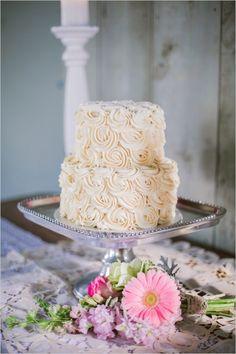 elegant rose wedding cake #weddingcake #elegantcake #weddingchicks http://www.weddingchicks.com/2014/03/28/pink-wedding/