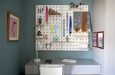 Beautiful kids room designed by London based Born & Bred Studio. This studio has become know as a go to studio for the coolest kids rooms. Cool Kids Rooms, Kids Room Design, Interior Design Companies, Happenings, Beautiful Children, Little People, Interior Design Inspiration, Tween, Playroom