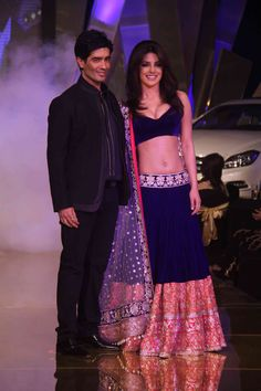 Manish Malhotra - Priyanka Chopra - Navy and pink lengha - reception outfit - Indian bride - Indian wedding - Indian couture #thecrimsonbride