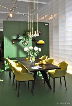 Vitra Design Tafel en Stoelen Woonbeurs   Fotografie STIJLIDEE Interieuradvies en Styling via www.stijlidee.nl