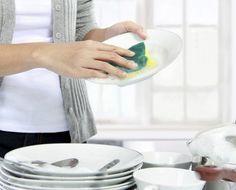 De acordo com a pesquisa, as mulheres dedicam o dobro de tempo aos trabalhos domésticos em comparação aos homens. Entenda