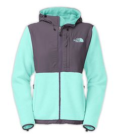 The North Face Women's Jackets & Vests FLEECE CLASSIC WOMEN'S DENALI HOODIE - I want sooo bad for Christmas!