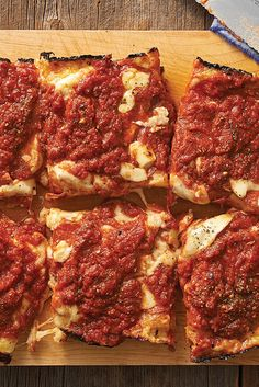 A Detroit-style pizza with crispy, caramelized edges and a thick layer of sauce and cheese. A Detroit-style pizza with crispy, caramelized edges and a thick layer of sauce and cheese. Pizza Recipes, New Recipes, Cooking Recipes, Favorite Recipes, Skillet Recipes, Cooking Tools, Detroit Style Pizza Recipe, Detroit Pizza, Detroit Art