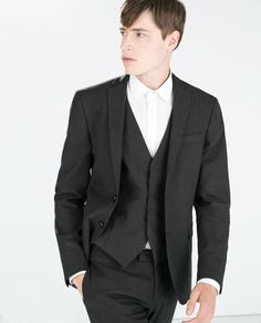ZARA - HOMBRE - TRAJE ESTRUCTURA GRIS. Chaqueta 100€ pantalon 50€ chaleco 50 € fa89eabe539