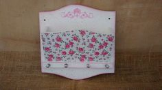 Porta Cartas <br>Branco com papel de scrap em tema de Rosas.
