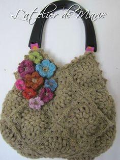 sac carrés et fleurs