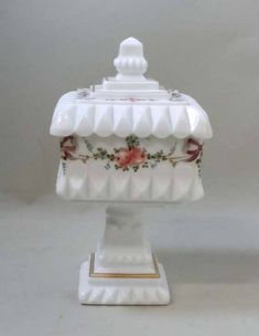 Milk Glass Candy Dish, Glass Dishes, Candy Jars, Candy Dishes, Westmoreland Glass, Vintage Dishware, Candy Flowers, Square Art, Fenton Glass
