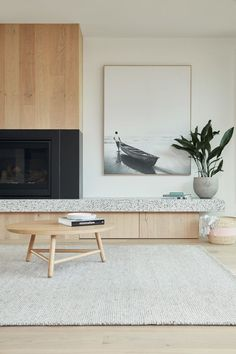The Spotted Gum Tree House situated at Landcox St, Brighton East was designed by Merrylees Architect Home Living Room, Living Room Furniture, Living Room Designs, Living Room Decor, Living Room Artwork, Cleaning White Walls, Fireplace Design, Fireplace Ideas, Living Room Inspiration