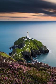 South Stack Lighthouse, Noth Wales, by Alessio Putzu, on 500px.(Trimming)
