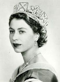 """Entertainment Zone: Unseen Rare Pictures Of """"Queen"""" Elizabeth II"""