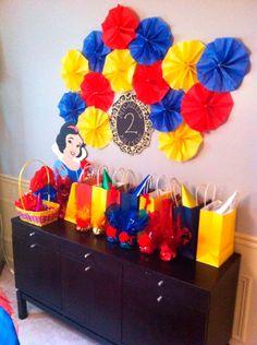 lembrancinha colorida Disney Princess Birthday Party, First Birthday Parties, Birthday Party Themes, Cinderella Birthday, 4th Birthday, Birthday Ideas, Snow White Birthday, White Baby Showers, Baby Party