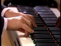 Mozart Piano Sonata No 17 B flat major K 570 Barenboim - YouTube
