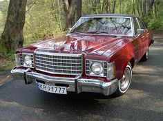 My second car was a 1975 Ford Granada Ghia in navy blue with a white top.