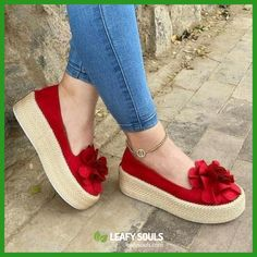 HEFLASHOR Floral Flats Women Shoes Casual Shoes Woman Platform Sneakers Slip On Leather Suede Ladies Loafers Zapatos De Mujer Color Red Shoe Size 39 Source by de mujer flats Bow Shoes, Pump Shoes, Flat Shoes, Nike Shoes, Shoes Jordans, Court Shoes, Air Jordans, Dress Shoes, Shoes Heels